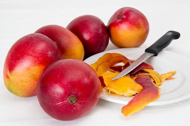 Салат фруктовый Я люблю салат Мышка и сыр и салат Милка