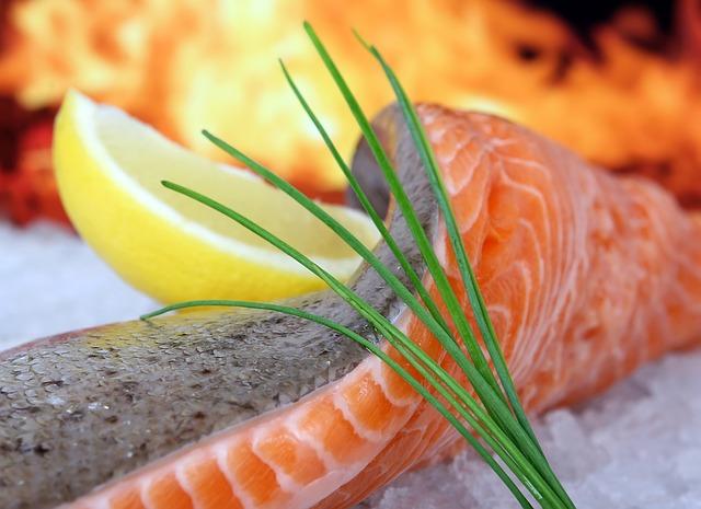 Рыбные рулетики, тефтели с клюквой и орехами и необычное блюдо с картофеля