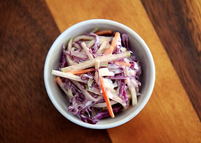 Острая маринованная капустная закуска на зиму