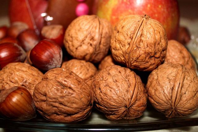 Показатели калорийности орехов разных видов, их применение для похудания