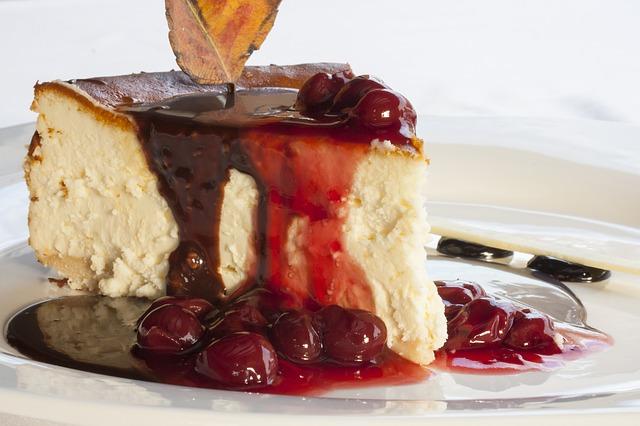 Сладкий сюрприз: история появления торта