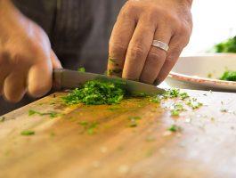 Нож и доска : важный фактор успешной готовки