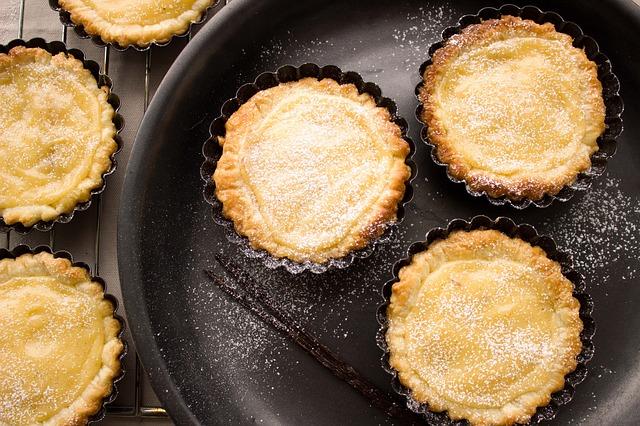 Тарт яблочный в пряной медовой заливке и рецепт его приготовления